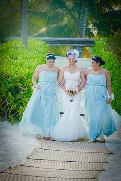 #greenbridesmaiddresses #romanticbeachwedding #bridalbirdcageveil