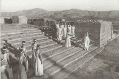 Κρήτη, 1941, Γερμανική παράσταση αρχαίου δράματος στη Φαιστό.