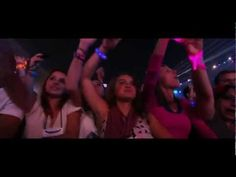"Coldplay ""In My Place"" In Paris 2012 (HD) - http://afarcryfromsunset.com/coldplay-in-my-place-in-paris-2012-hd/"