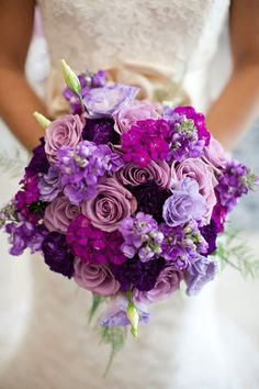bouquet de mariée en lilas, lavande, magenta et pourpre
