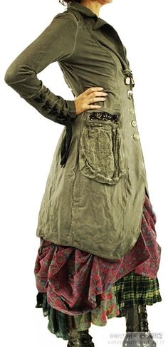 Elisa Cavaletti - reminds me of clothes from Les Mis Gypsy Style, Bohemian Style, Mori Fashion, Womens Fashion, Gypsy Fashion, 80s Fashion, Mode Style, Style Me, Ropa Shabby Chic