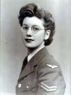 Joan Clarke. Criptoanalista y numismática. Su trabajo en el equipo de Alan Turing fue fundamental para descifrar el el código Enigma utilizado por los alemanes en la II Guerra Mundial.