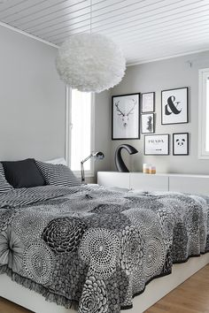 Easy And Cheap Cool Ideas: Minimalist Decor Wood Rugs minimalist home bedroom inspiration.Minimalist Home Exterior Minimalism urban minimalist interior floors.Minimalist Bedroom Simple Home Decor. Home Decor Trends, Unique Home Decor, Home Decor Styles, Cheap Home Decor, Modern Decor, White Bedroom Furniture, Home Decor Bedroom, Dark Furniture, Bedroom Ideas