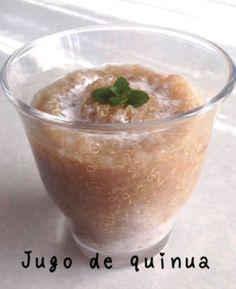 朝食にキヌアを       朝食にキヌアのジュースを  朝食にキヌアのジュースはいかが?  南米のボリビアでは、朝食にキヌアのジュースをいただきます。  この飲み物に、パンやクッキーなどお好みのものを合わせて食べます。  味は、アップルパイのような淡く甘~い感じです。  と言いますのも、材料に、リンゴやシナモンを混ぜるからです。  作り方は、簡単!  ご参考のために、作り方を紹介します。  材料  1.キヌア…1/2カップ  2.水…500ml  3.リンゴ…半分  4.シナモン…少々  5.砂糖…小さじ2  6.牛乳もしくはコーヒーミルク…お好みで(ミルクを入れると味がまろやかになります)  作り方  1.沸騰したお湯に、洗ったキヌアを入れて、20分ほどゆでます。  2.キヌアのひげが出てきて透明になってきたら、弱火にし、すりおろしたリンゴとシナモン・砂糖をお好みで入れてかき混ぜて、味が調ったら火を止めます。…