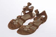 Sandales plates lacées aux chevilles, KAREN MILLEN  * Flat sandals with ankle straps, KAREN MILLEN