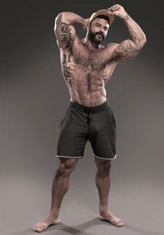 Muscular bear straight ass