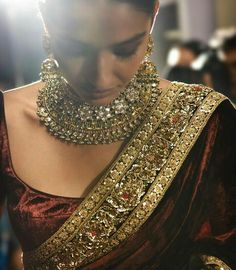Indian Dark-Red Saree & Gold Jewelry Designed by Sabyasachi Indian Attire, Indian Wear, Indian Style, Indian Blouse, Indian Sarees, Indian Dresses, Indian Outfits, Ethnic Outfits, Velvet Saree
