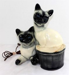 Vintage Siamese Cat TV Lamp with basket planter