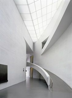 Kiasma,the museum houses the collection of Contemporary Art of the Finnish National Gallery. Architect; Steven Holl