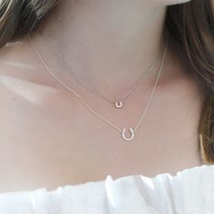 Add a layer of luck in our Fill Your Cup Horseshoe Necklace. This dainty piece proudly carries a small horseshoe charm in the middle of a delicate chain. Horseshoe Necklace, Silver Chain Necklace, Silver Bracelets, Sterling Silver Necklaces, Silver Jewelry, 925 Silver, Bangles, Jewelry Gifts, Jewelry Necklaces