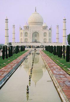 Un petit panteó d'Agra..