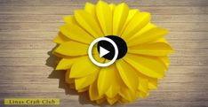 How to Make Sunflower Paper Flower Paper Sunflowers, How To Make Paper Flowers, Paper Flowers Craft, Paper Flower Wall, Giant Paper Flowers, Diy Flowers, Sunflower Floral Arrangements, Sunflower Centerpieces, How To Make Sunflower