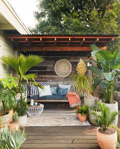70 Cozy Backyard and Garden Seating Ideas for Summer - Backyard Landscaping Backyard Seating, Backyard Privacy, Backyard Patio Designs, Outdoor Seating Areas, Small Backyard Landscaping, Landscaping Ideas, Backyard Retreat, Backyard Bbq, Backyard Ideas