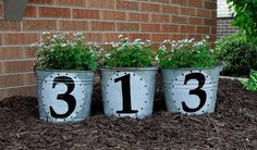 Galvanized Bucket House Number Yard Decor Lawn And Garden, Home And Garden, Mailbox Garden, Garden Beds, Decoration Entree, Compost Tumbler, House Numbers, Door Numbers, Outdoor Projects