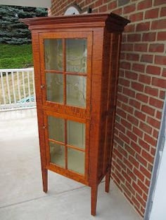 China Cabinet with a Country Style Design. I love the Tiger Maple Wood. Country Farm, Country Decor, Country Style, Primitive Furniture, Farms Living, China Cabinets, Cupboards, Cottage Style, Home Goods