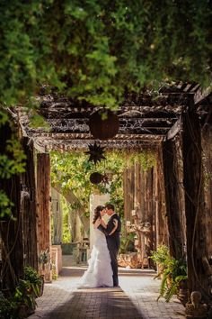 You saved to Arizona Weddings From waterfront wedding venues, tropical inspired locations and desert wedding ceremony hot spots, these Phoenix wedding venues will make all of your wedding planning dreams come true if you're getting married in Arizona. | Boojum Tree's Hidden Gardens