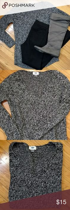 Marled pullover sweater Marled v neck  pullover sweater size medium. Like new condition. Color black and white. No pulls stains ECT Smoke free pet free home Old Navy Sweaters V-Necks