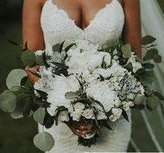 Simply Beautiful... Follow @on.cloud.brown for more wedding inspiration! #blouse #hairstyles #wedding #weddingday #flowers #sneakersaddict #slippers #greatoutfit #dailyfashioninspo #myoutfit #dress #pinknails #manicures #manicure #brides #bridesmaids #hair #brunette #hairstyle #haircolor #accessories #dressph #weddingdress #braidideas #luxuryblogger #dresses #makeuplook #weddingbells #longhair #outfits Follow @on.cloud.brown Wedding Day Wedding Planner Your Big Day Weddings Wedding Dresses…