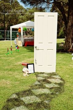 @Becky Hui Chan Hui Chan Lanning could we use the old door from the sun room for a backdrop for pictures?