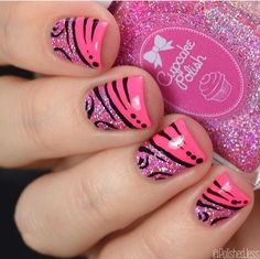 Gorgeous abstract hot pink & sparkly manicure by @polishedjess using our Mitty Candy 00 Nail Art Detail Brush to create the fine black lines now available at snailvinyls.com.