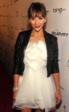 Rashida Jones. love the hair color and cut, earrings, makeup and clothes