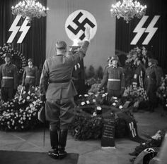 March Funeral ceremony for the fallen SS-Brigadefuhrer dr. Franz Walter Stahlecker at Prague Castle. Ddr Brd, Luftwaffe, Funeral Ceremony, German Soldiers Ww2, German People, The Third Reich, Important People, War Machine, World War Two
