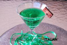 Mint Chocolate Shamrocktini - Recipe straight from a weee fella in green