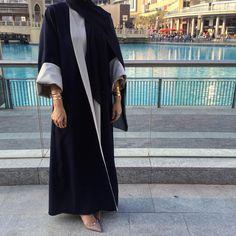 Jubah abaya hitam menarik. Boleh terbalikkan luar dan dalam  Lebih banyak pilihan koleksi abaya cantik di Tudunglabuhonline.com
