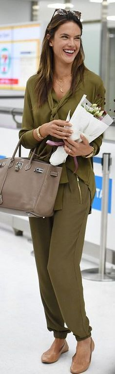 Alessandra Ambrosio ile Günün Örnek Stili...