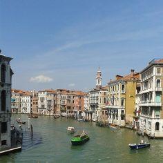 La ciudad de las Góndolas. #nofilter #Venice #holidays Gondola, My Photos, Places, Instagram Posts, Pictures, Photography, Cities, Photos, Photograph
