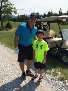 Sidney Crosby on the golf course with a young fan