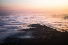 ♦Oh how I love low lying clouds ⛅  #hpsasunlight @instagram_sa ▪ ▪ ▪ ▪ ▪ ▪ ▪ ▪ #foreversouthafrica #travelsalt #southafricaza #pixelpanda_za #southafrica #iamnikon #orms #instagram_sa #vscosouthafrica #outdoortones #artofvisuals #visual100 #moodygrams #agameoftones #vzcomood #thetraveltag >> @justincoomber #travel #adventure #allterrain