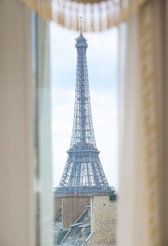 Eiffel Tower view from the Empire Suite at Hôtel George V Paris~this photo makes me want to cry Paris Torre Eiffel, Paris Eiffel Tower, Eiffel Towers, Oh Paris, I Love Paris, Paris Flat, Paris Girl, Gustave Eiffel, City Lights