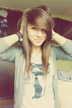 Light Brown Hair Color - It Suits Everyone - Hair Dye Tips My Hairstyle, Pretty Hairstyles, Girl Hairstyles, Scene Hairstyles, Medium Hairstyles, Emo Scene Hair, Emo Hair, Scene Hair Bangs, Light Golden Brown Hair