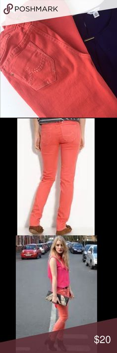 """Union Bay Salmon Skinny Jean Very flattering and gives the legs a """"long"""" look. Pretty salmon color and in great condition .38 1/2 """" inseam 30"""" 96% cotton 5%spandex Union Bay  Jeans Skinny"""