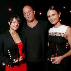 Vin Diesel Pays Tribute to Paul Walker at the Hollywood Film Awards