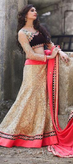 We're showing you so many bridal #lehenga so that you choose your fave! Have a look at this one -   #IndianWedding #bridalwear #bride #onlineshopping #sale #holi #beige #lace #indianfashion