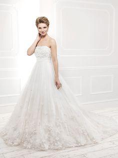 アクア・グラツィエがセレクトした、ELLIS(エリース)のウェディングドレス、EL11401をご紹介いたします。
