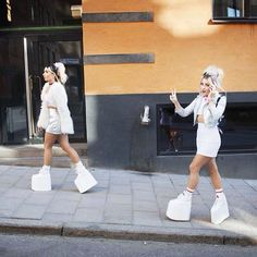 REBECCA &FIONA Photo: Theo Elias Lundgren/ #rebeccafiona #BUFFALO_SHOES