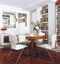 No desaproveches los retranqueos; - Librerías integradas en la zona de comedor - Mi Casa