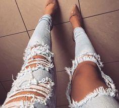 Jeans rasgado + nude!