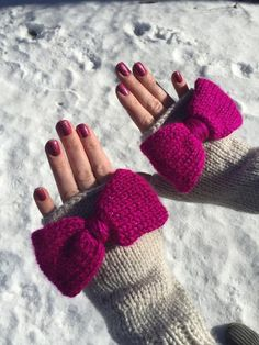 (6) Name: 'Knitting : Finley Fingerless Gloves