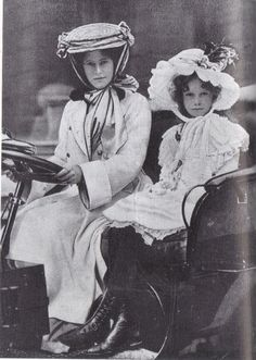 1905 - The Duchess of Sutherland, president of the Women Automobile club, London