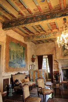 Château de Mauriac French Style Furniture, Classic House, Ceiling Murals, Painted Ceiling, Beautiful Homes, Classic Architecture, House Interior Decor, Painted Ceiling Beams, Castle