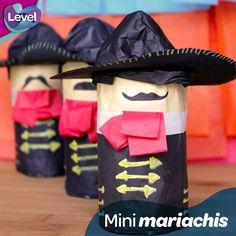 ¡Haz unos mini mariachis! Son ideales para decorar tu noche mexicana.
