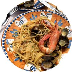 Delicious food in captured with Delicious Food, Spaghetti, 3d, Ethnic Recipes, Yummy Food, Noodle