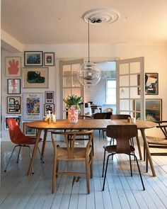 Almost one more our before it get's Dark outside 🙌🏼🙌🏼 Dining Room Inspiration, Home Decor Inspiration, Style Inspiration, Mismatched Chairs, Sweet Home, Fashion Room, Apartment Interior, Home And Living, Living Room