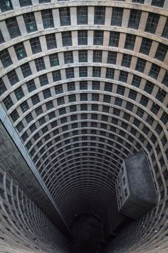 Arcaid Images unveils shortlist for best architecture photograph of Ponte City Apartments, Johannesburg, South Africa, photographed by Ryan Koopmans Futuristic Architecture, Amazing Architecture, Architecture Design, Classical Architecture, Photo D'architecture, Pink Photo, Photo Wall, V Video, Building Images