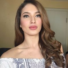 """""""Watch @sarahlahbati at Deal or No Deal later at 5pm! Makeup by @deniseochoa. #hairbyjaf"""""""