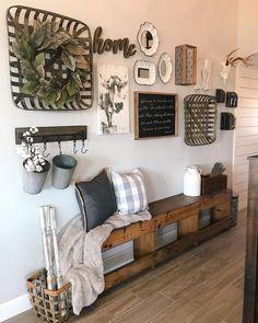 20+ Fascinating Farmhouse Wall Decor Ideas